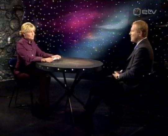 18. mai 2009 ETV saade Välisilm andis Marko Mihkelsonile 10 minutit ja 32 sekundit aega oma välispoliitiliste seisukohtade tutvustamiseks. Valimisteni on jäänud 3 nädalat. Astrid Kannel ei tea ühtegi teist valimistel mitte kandideerivat välispoliitika eksperti?